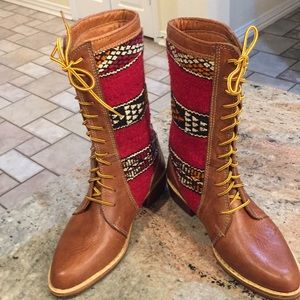 Beautiful Handcrafted Kilim  Lace-Up Boots